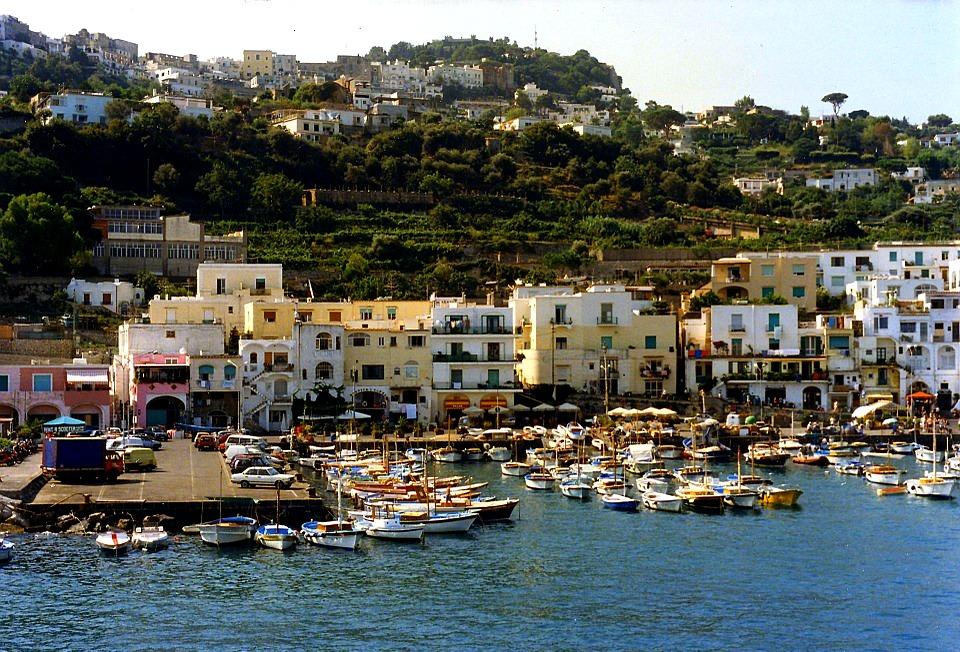 portul din Capri