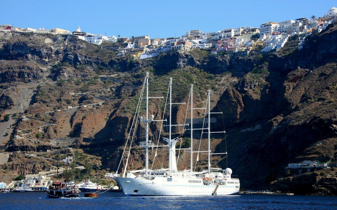 Grecia vrea deschiderea sezonului în mai 2021. Ce condiții le impune turiștilor