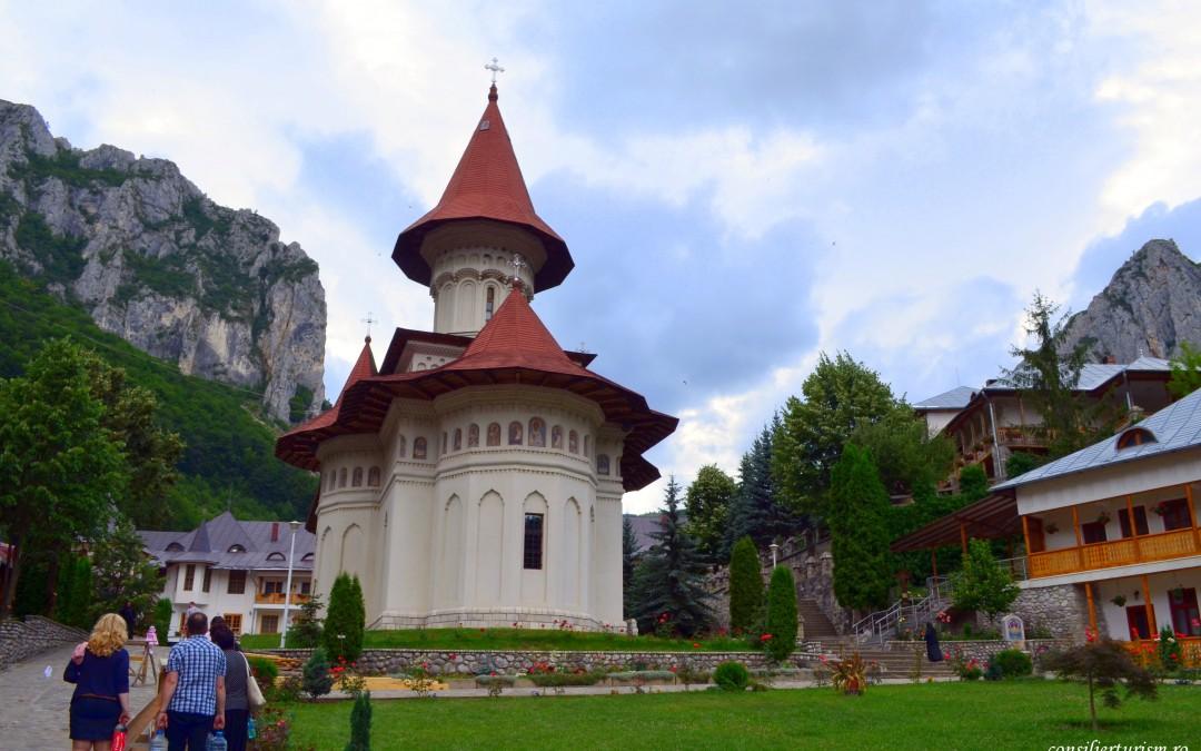 Mănăstirea Râmeț, o poartă către rai