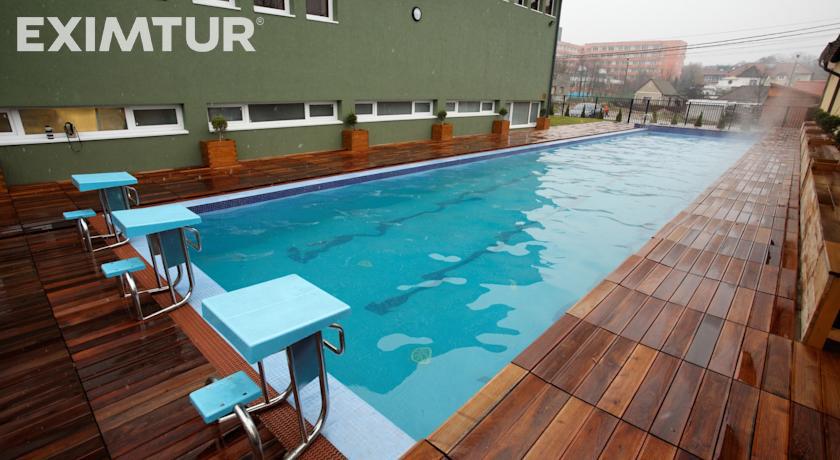 piscina Hotel Perla Baile 1 Mai