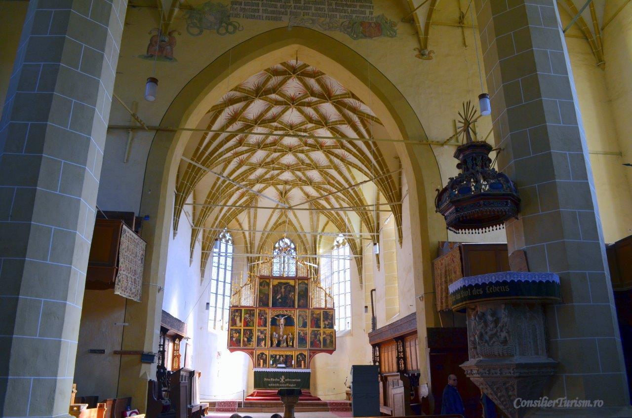 biserica fortificata biertan amvon