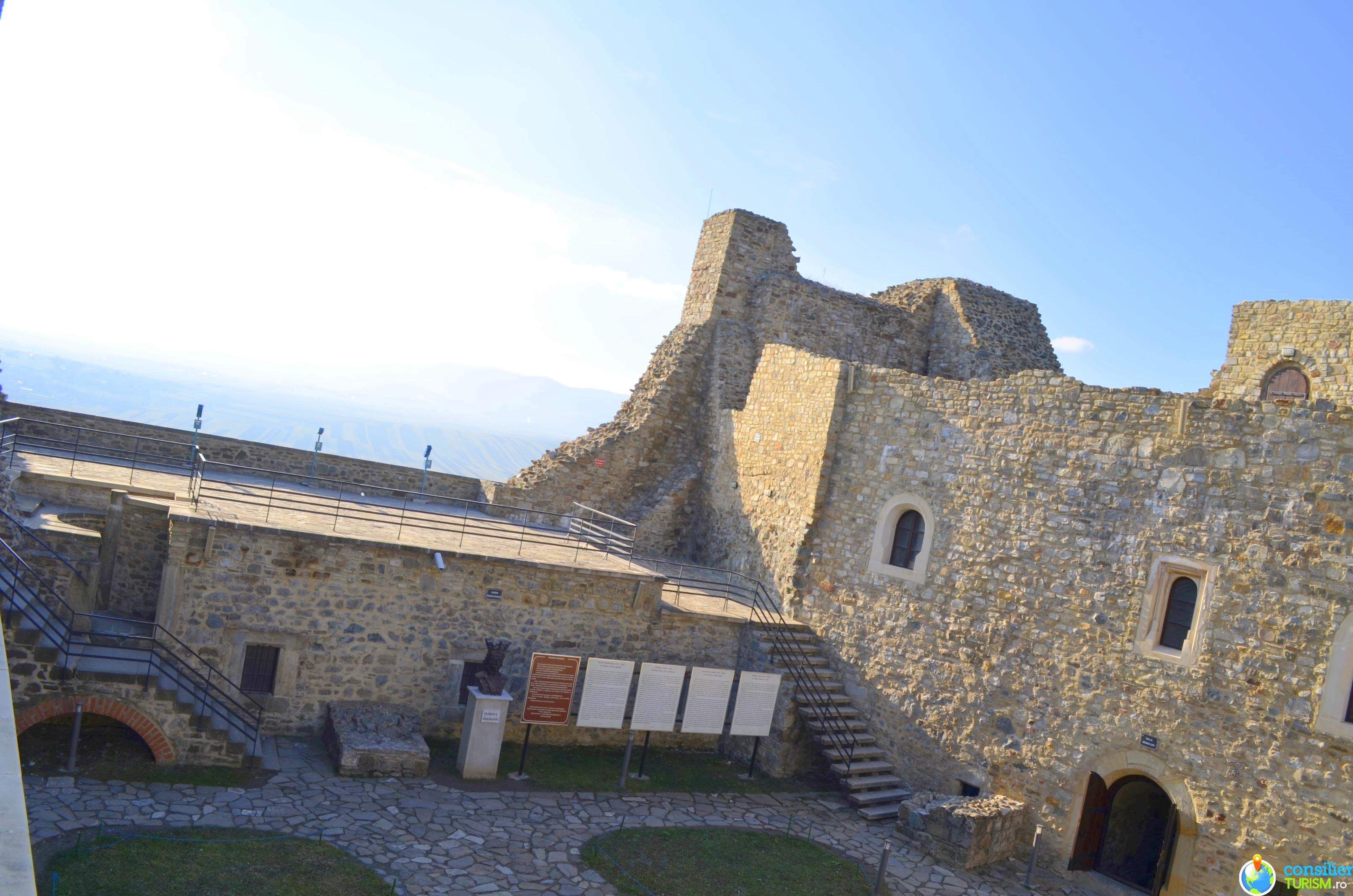 curte interioara cetatea neamtului