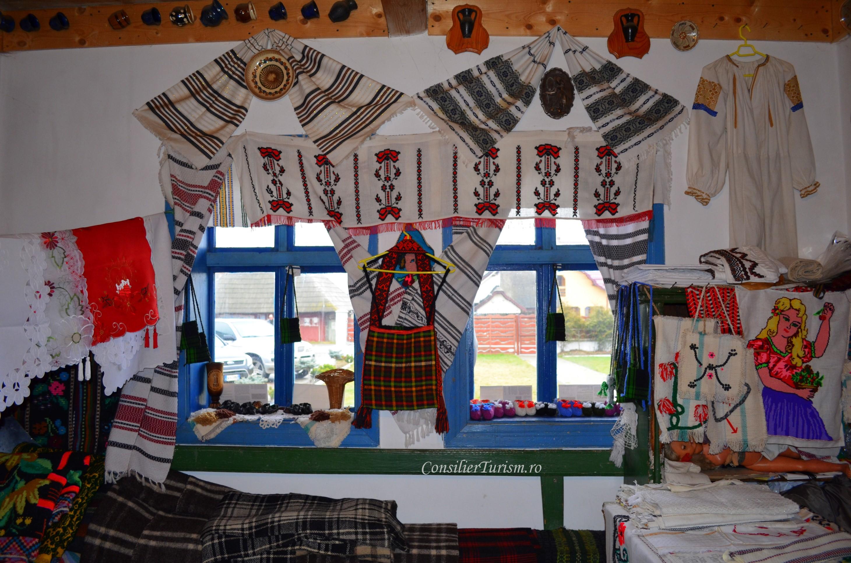 casa traditionala Bucovina