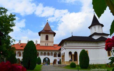 Mănăstirea Brâncoveanu, gura de rai de la poalele munților Făgăraș