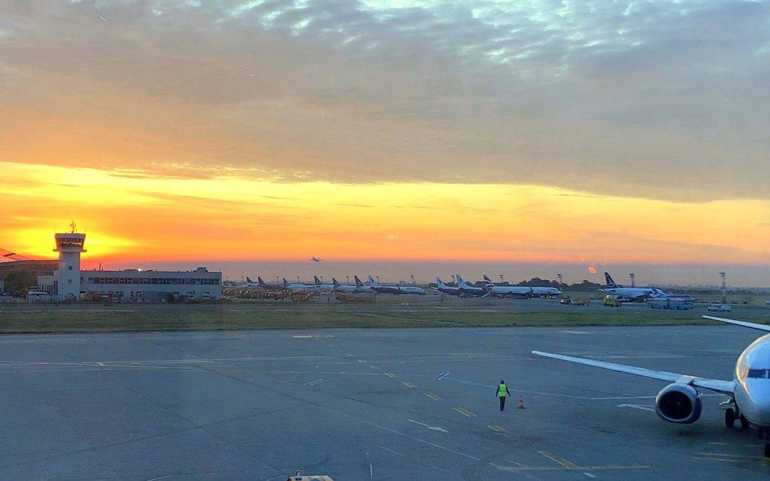 """COVID-19: Obligațiile pasagerilor pe Aeroportul Internațional """"Henri Coandă"""", din 15 mai"""