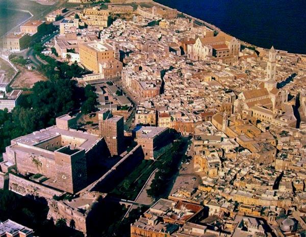 Bari, un oraș pitoresc cu un chef nebun de distracţie