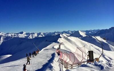 Ischgl, una dintre cele mai petrecărețe stațiuni de schi din Alpi