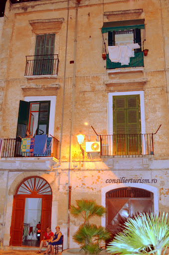 bari by night 2.jpg
