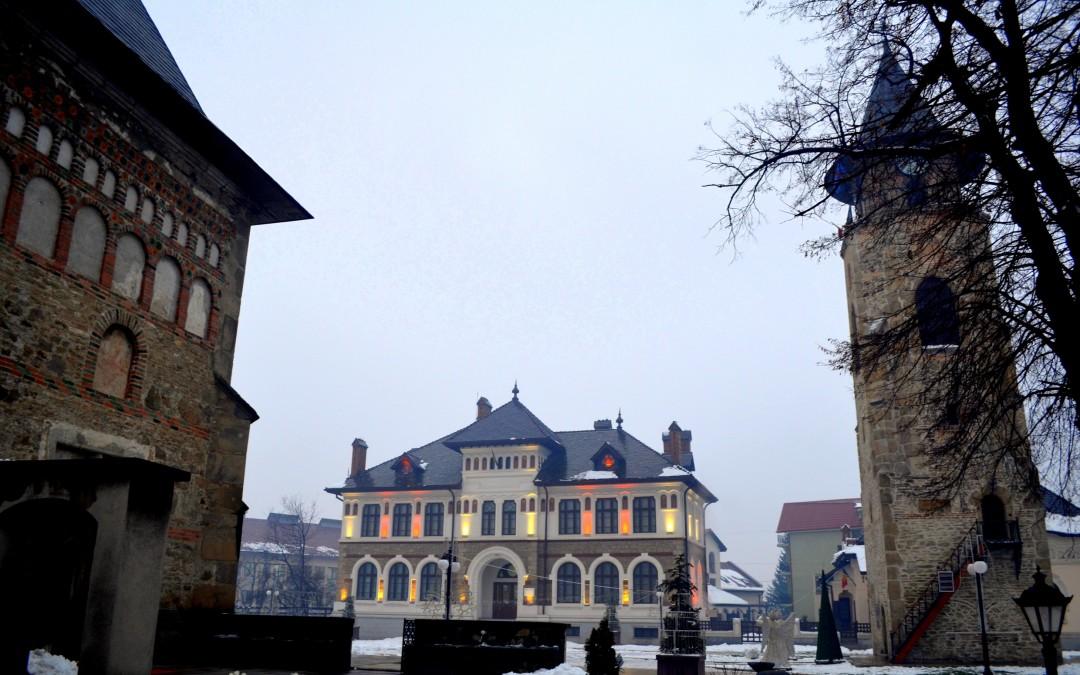 """De ce merită să vizitezi Piatra-Neamţ şi ce să nu ratezi în """"Perla Moldovei"""""""
