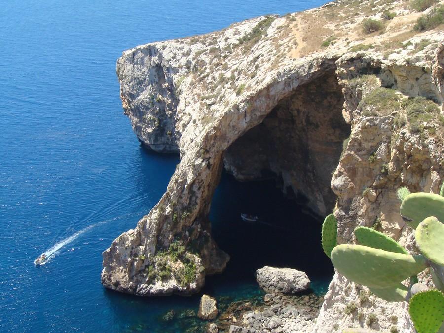 """Cum te atrage """"precum mierea"""" arhipelagul Maltez"""