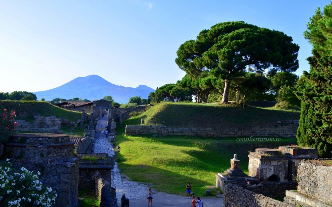 Un cuplu legat pentru eternitate: Vezuviu și Pompei