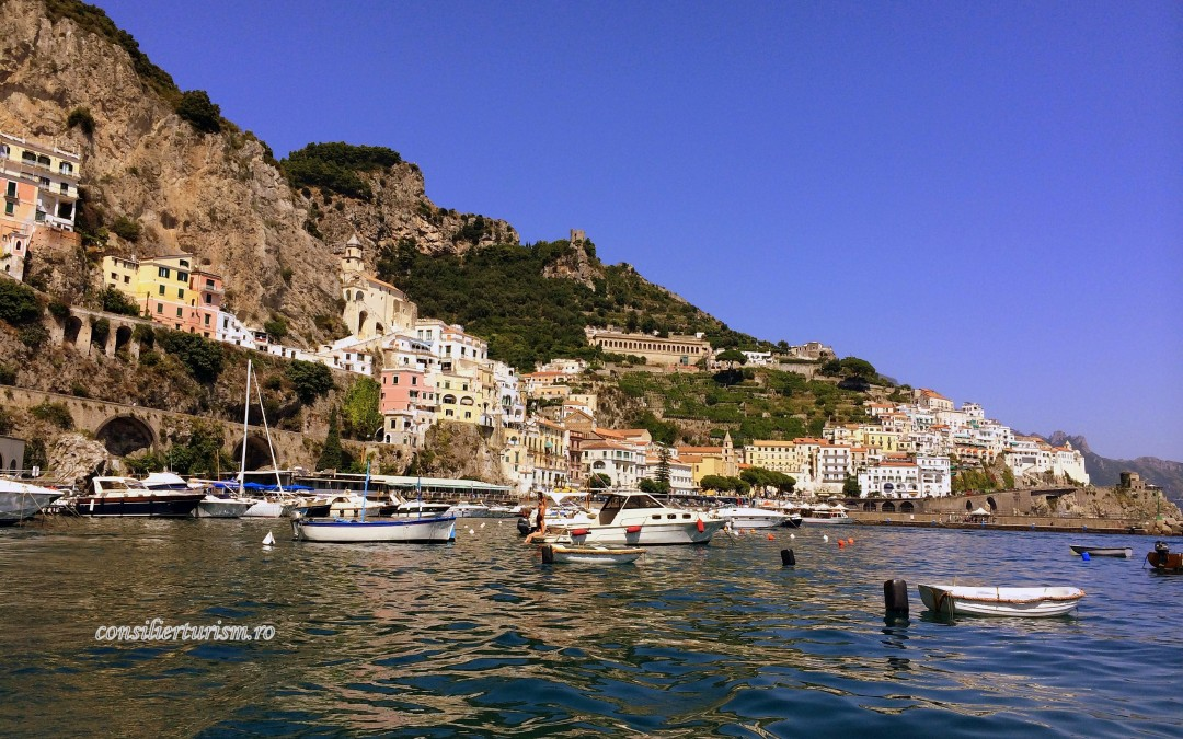 Născut pentru a te fermeca: Positano, cel mai romatic orăşel de pe Coasta Amalfi